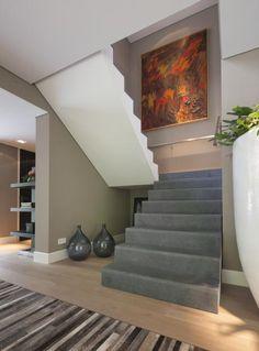 #FrancoisHannes Modern Stairs, Stairway To Heaven, Contemporary Interior, Stairways, Mudroom, My House, Modern Design, Sweet Home, Villa
