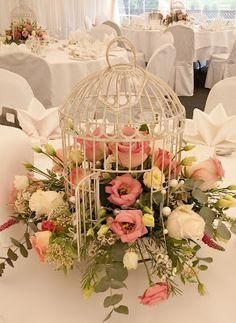 , The bird cage is both a property for the chickens and an ornamental tool. You can pick anything you want one of the bird cage designs and get a whole lot more specific images. Table Arrangements, Table Centerpieces, Floral Arrangements, Flower Arrangement, Deco Floral, Floral Design, Bird Cage Design, Bird Cage Centerpiece, Bird Cage Decoration