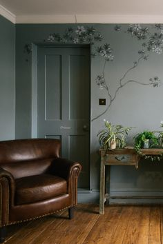 Let your kitchen blossom with Kitchen Specialist deVOL's unique new Hand-Painting service for cupboards and walls that's based on traditional chinoiserie. Victorian Living Room, Victorian Fireplace, Painted Branches, Devol, Chinoiserie Wallpaper, Stone Flooring, Blue Walls, Living Room Inspiration, Living Room Designs