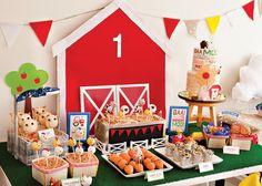 http://blog.hwtm.com/2015/01/diy-painted-barn-doors-farm-party-tutorial/
