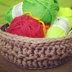 Small basket, zpagetti yarn