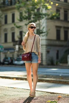 Lace-up Love: tan lace-up sweater, boyfriend shorts, mule wedge sandals, Saint Laurent 'High School' bag, lace-up top outfit