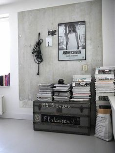 Wall color concrete - how can you paint a concrete wall? paint for concrete walls paint concrete optics wall design ideas Industrial Living, Industrial Interiors, Interior Architecture, Interior And Exterior, Interior Styling, Interior Decorating, Diy Interior, Style Loft, Tadelakt