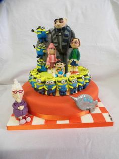 DESPICABLE ME  Cake by PinkCakE