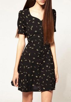 Black Print Heart-Shaped Neckline Short Sleeve Chiffon Dress