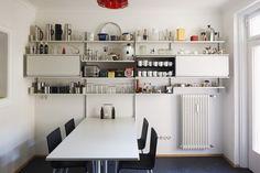 606 Universal Vitsoe Shelving, Dieter Rams | Remodelista #diningroom #kitchen #shelves