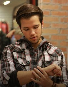 Nathan Kress Pretty Clothes, Pretty Outfits, Nathan Kress, Icarly, Cute Actors, Special People, Celebs, Celebrities, A Good Man