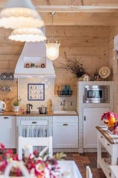 Remarkable Vintage Farmhouse Style Kitchen Island Ideas - Page 2 of 44 Shabby Chic Kitchen Cabinets, Cozy Kitchen, Farmhouse Style Kitchen, Rustic Kitchen, Country Kitchen, Vintage Kitchen, Kitchen Decor, Vintage Farmhouse, Kitchen Island