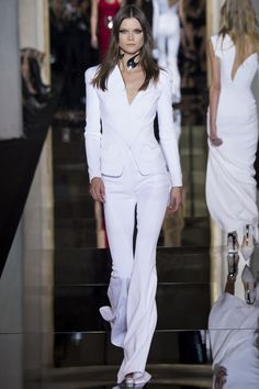 Atelier Versace 2015. I love this. Styled impeccably.