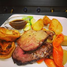What Sundays are all about.. #Sunday #sundayroast #Edinburgh #scottishfood #stockbridgeedinburgh #goodfood #beef
