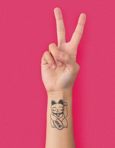 The Maneki Neko - Tattoonie #t4aw #tattooforaweek #temporarytattoo #faketattoo #tattoonie #maneki #neko #lucky #cat