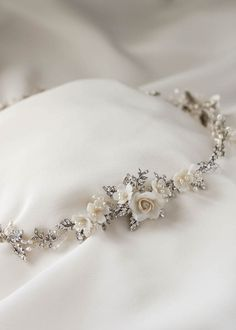 GABRIEL floral wedding crown Although it is a crown for a wedding, I know that . - GABRIEL floral wedding crown Although it is a crown for a wedding, I know that . Bridal Crown, Bridal Tiara, Headpiece Wedding, Bridal Headpieces, Wedding Crowns, Wedding Veils, Ethereal Wedding, Cute Jewelry, Hair Jewelry