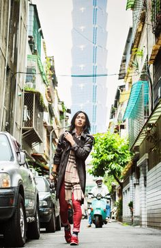 Burberry Art of the Trench Taipei 台北風衣藝術展 River Huang Shot in Taipei By Ting-Kuei Shao Art of the Trench is a celebration of the trench coat and the people who wear it, showcasing individual style from around the globe.