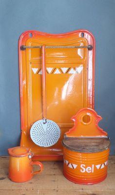 vintage enamelled metal ustensils holder
