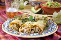 Chicken Enchiladas with Green Chili Salsa - make paleo with plantain wraps Mexican Dishes, Mexican Food Recipes, Dinner Recipes, Healthy Recipes, Tasty Dishes, Food Dishes, Chili's Salsa Recipe, Turkey Recipes, Chicken Recipes
