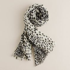 Airy wool scarf