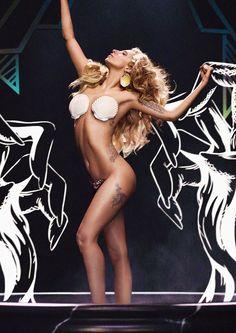 Lady Gaga as 'The Birth Of Venus) *yeay my first pin!*