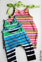 Free pattern: Knit baby romper from a t-shirt