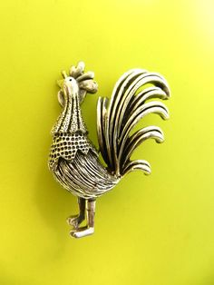 Awesome TORTOLANI rooster/cockerel  singing Vintage Brooch