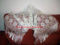 Lola Rodriguez Manzanares Encajera  ..... Chal tejido en hilo de seda natural .. LRM