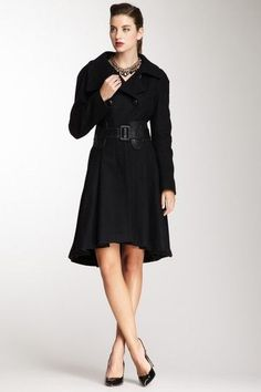 ♥ #coat #black i liov the flow to this. and somehow it looks comortable. love it