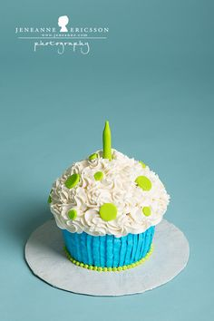 Jeneanne Ericsson Photography » blue and green polka dot Giant Cupcake