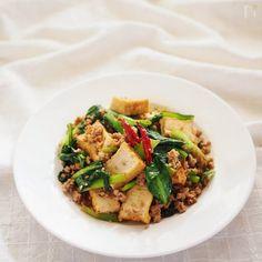 下茹でのいらない小松菜を使い 厚揚げとサッと炒めて醤油味で仕上げました。