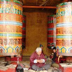 I REALLY want to visit the prayer wheels in Bhutan. Exterior Design, Interior And Exterior, Nepal, Bhutan, Pakistan, Maldives, Afghanistan, Sri Lanka, Buddha