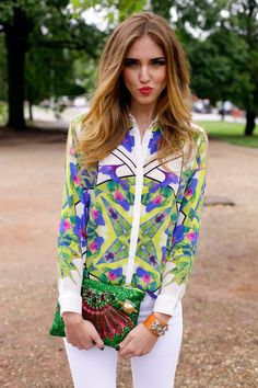 """Chiara Ferragni of """"The Blonde Salad,"""" sporting a beautiful blouse by Maison About, white jeans, and a gorgeous clutch. Perfect outfit for spring! Fashion Blogger Style, Fashion Mode, Look Fashion, Spring Fashion, Fashion Trends, Ladies Fashion, Street Fashion, The Blonde Salad, Spring Look"""