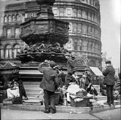 vintage everyday: Flower Sellers by the Eros Statue, Piccadilly Circus, London. ca. 1900s