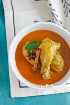 the most delicious curry in www. Cooking Chicken Curry, Chicken Masala Curry, Indonesian Food, Indonesian Recipes, I Love Food, A Food, Peranakan Food, Crispy Sweet Potato, Asian Recipes
