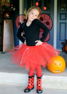 Maya wants to be a ladybug for Halloween. I think I might put together this Ladybug Girl costume. Easy Costumes, Homemade Costumes, Creative Halloween Costumes, Costume Ideas, Halloween Costumes For Girls, Girl Costumes, Halloween Kids, Storybook Character Costumes, Ladybug Girl