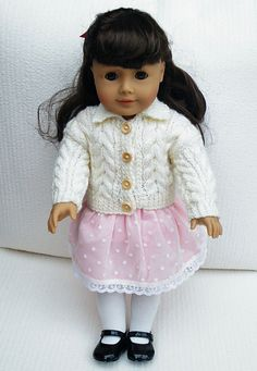 Ravelry: Maryfairy& Cream Large Cable Cardigan for American Girl with patte. Knitting Dolls Clothes, Crochet Doll Clothes, Doll Clothes Patterns, Crochet Toys, Knit Crochet, Doll Clothes Barbie, American Doll Clothes, Doll Dresses, Barbie Doll