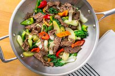 Stir-fried Ginger Steak with Pak Choi. Celebrate Chinese New Year and welcome in the Year of the Rooster with this quick and easy stir-fry. It's healthy, spicy and aromatic. Shake It Up by Cambridge Weight Plan Stir Fry Recipes, Beef Recipes, Healthy Recipes, Protein Recipes, Protein Foods, Rice Recipes, High Protein, Bariatric Eating, Bariatric Recipes