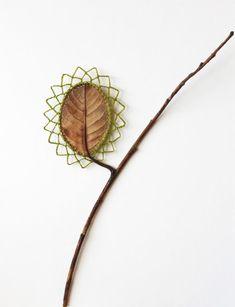 De galet vackraste lövet! Susanna Bauer broderar och tar sig an de anspråkslösaste av material och förvandlar det till fantastiska verk. (Foto Susanna Bauer)