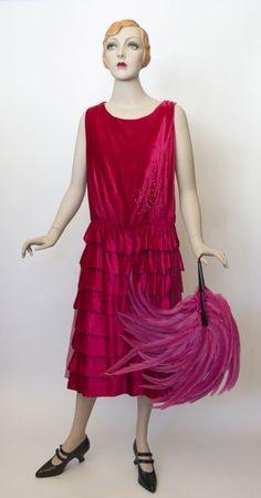 Dress, silk velvet with embedded rhinestones, unlabelled, c. Roaring 20s Fashion, 1930s Fashion, Vintage Fashion, Roaring Twenties, 1920s Style, Flapper Style, Flapper Era, 20s Dresses, Vintage Dresses