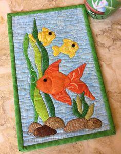 Fish quilts are never enough. Mug Rug Patterns, Baby Quilt Patterns, Applique Patterns, Fish Quilt Pattern, Canvas Patterns, Quilt Baby, Patchwork Quilting, Applique Quilts, Scraps Quilt