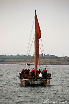 Haunui Waka arriving in Bluff. April 2014.