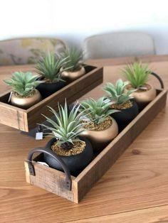 House Plants Decor, Plant Decor, Plantas Indoor, Wooden Planters, Large Planters, Plant Shelves, Indoor Plants, Small Plants, Diy Plant Stand