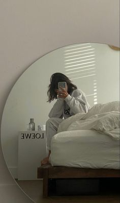 Selfies, Aesthetic Rooms, Aesthetic Outfit, Bedroom Inspo, Bedroom Ideas, House Rooms, Dream Bedroom, My Room, New Homes