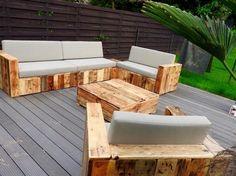 Pallet Patio Sofa Set {Build a Patio with Pallets} – 101 Pallets