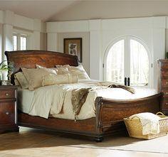 TRADITIONAL MAHOGANY SLEIGH BED