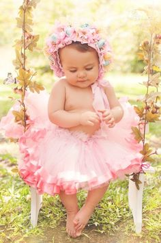 Over-the-top Baby girl clothes. killing me with cuteness. 1st Birthday Photoshoot, First Birthday Photos, Cute Kids, Cute Babies, Baby Kids, Cute Baby Pictures, Newborn Pictures, Beautiful Children, Beautiful Babies