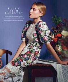 COVASA Mens Summer ShortsRoyal Victorian Floral Motifs with Rococo Details Rev