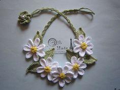 白いお花のネックレス画像1