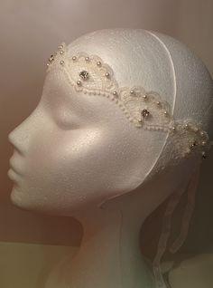 Modelo Istar perfil #lamoradadenoa #brillantes #encaje #pedreria #cintadepelo #cinta #novia #boda #bridal