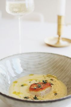 Päron och palsternackssoppa med pilgrimsmussla Soup Recipes, Cooking Recipes, Recipies, Swedish Recipes, Something Sweet, Fish And Seafood, Foodies, Nom Nom, Food Porn