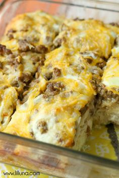 Simple and Delicius Egg Biscuit Casserole filled with Sausage, cheese and eggs. { http://lilluna.com }