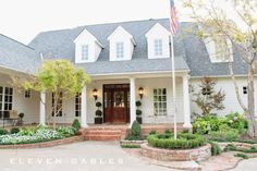 Eleven Gables: Blogger Stylin' Home Tours   Fall Home Tour