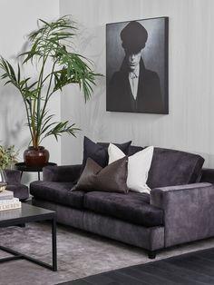 Velg en myk, grå sofa og skap en herlig stue! Decor, Furniture, Room, Room Design, Love Seat, Home Decor, Couch, Valby, Living Room Designs